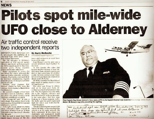 """Imagine seeing a mile wide ufo… 🕳😮 Channel Islands UK / 2007 … Captain Ray Bowyer, 50, of local airline Aurigny, spotted a """"bright-yellow light"""" 10 miles west of Alderney at about 3pm during a flight from Southampton while his aircraft was 30 miles from the island at 4,000ft. He recounted: """"It was a very sharp, thin yellow object with"""